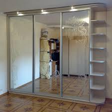 Зеркальные шкафы-купе — это стиль и изысканность